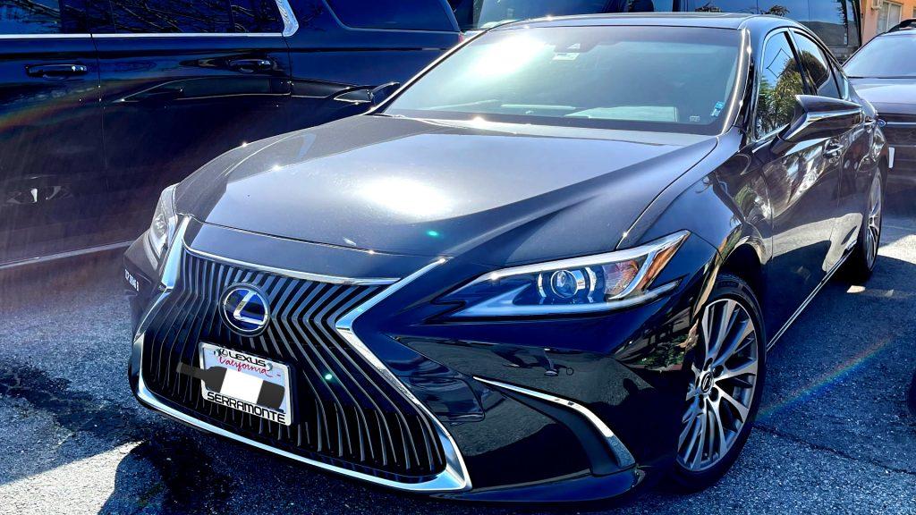 Lexus-EX300h-Garage (1)